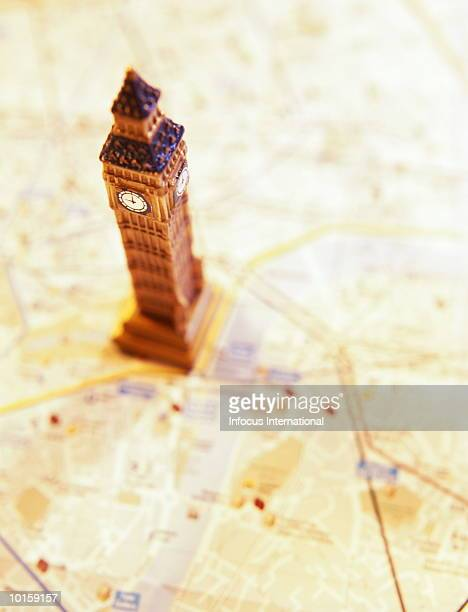 BIG BEN SOUVENIR ON MAP OF LONDON
