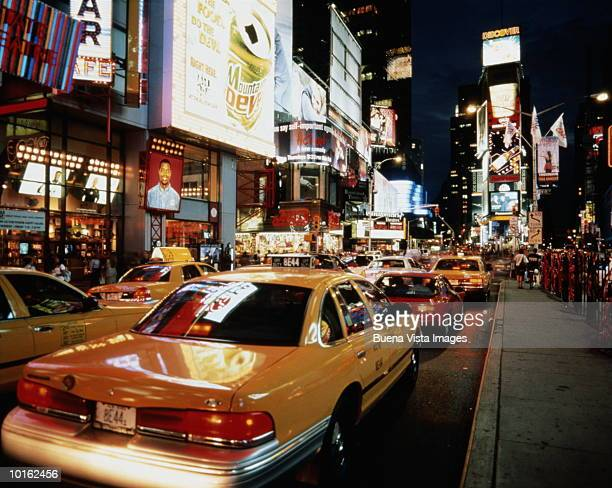 NEW YORK, MANHATTAN, TIMES SQUARE, NEON LIGHTS