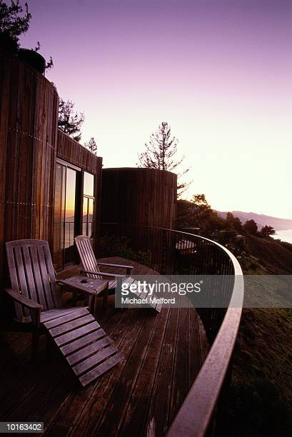 post ranch inn - 宿屋 ストックフォトと画像