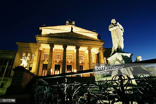 concert hall and schiller monument - gendarmenmarkt stock pictures, royalty-free photos & images