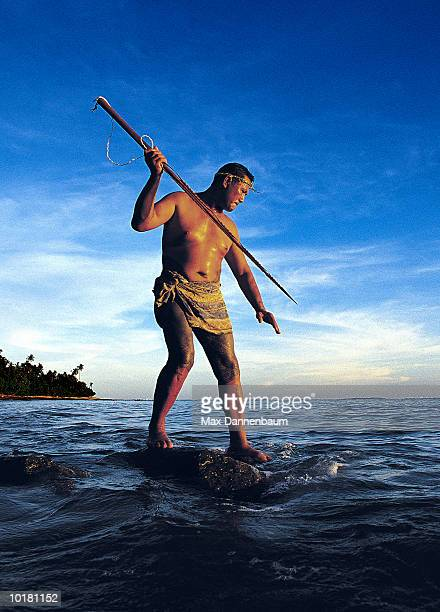 SAMOAN MAN (35-40) SPEARFISHING