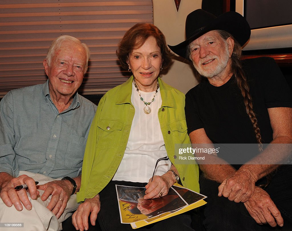 Willie Nelson Joined Onstage and Backstage by Former President Jimmy Carter and Rosalynn Carter : News Photo
