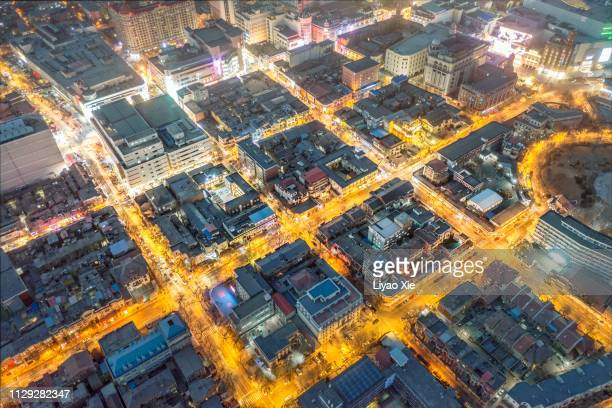 directly above view of residential district - liyao xie photos et images de collection