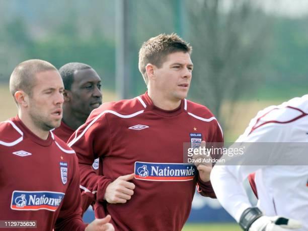 ENGLAND FOOTBALL TEAM TRAINING AT LONDON COLNEY. 24/3/09. STEVEN GERRARD.