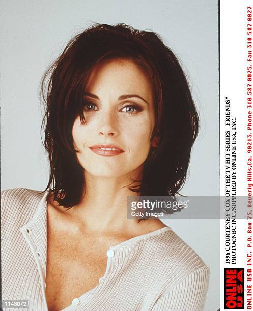 1996 COURTENEY COX OF THE TV HIT SERIES FRIENDS