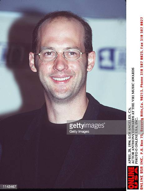 APRIL 28, 1996. LOS ANGELES, CA. ACTOR ANTHONY EDWARDS AT THE VH1 MUSIC AWARDS.