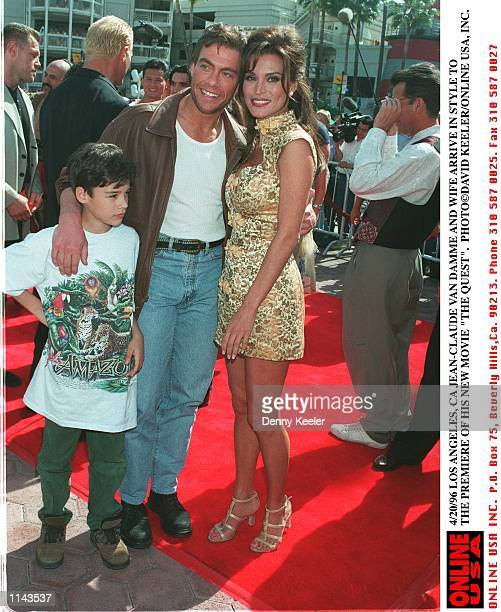4/20/96 LOS ANGELES CA JEANCLAUDE VAN DAMME WIFE DARCY AND SON AT THE PREMIERE OF HIS NEW MOVIE THE QUEST