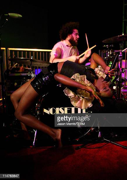 Musician Shingai Shoniwa of Noisettes perform during the 7th Annual Teen Vogue Young Hollywood Party held at Milk Studios on September 25, 2009 in...