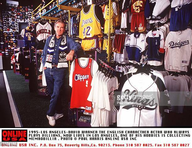 1995LOS ANGELESDAVID WARNER THE ENGLISH CHARACTHER ACTOR WHO NOW LIVE IN LOS ANGELES ONE OF HIS PASSIONS IS VISITING SPORTS MEMROBILLIA SHOPS IN LOS...