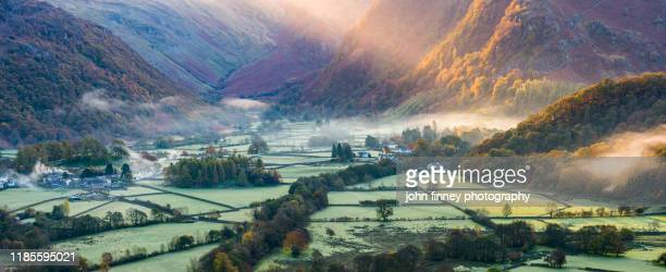 lake district - rosthwaite - borrowdale - light rays - autumn - rustic - village - england - whitehaven cumbria stock pictures, royalty-free photos & images