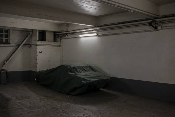 HIDDEN SPORT CAR.