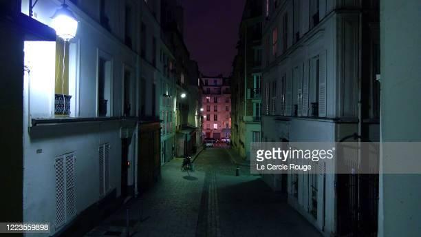 empty montmartre passage - paris night stock pictures, royalty-free photos & images
