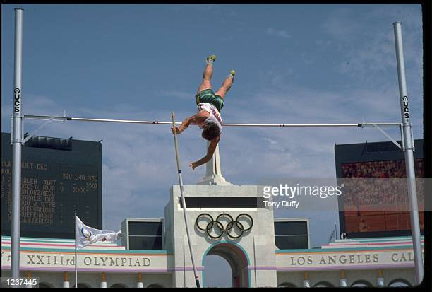 PETER HADFIELD OF AUSTRALIA ATTEMPTS A VAULT DURING THE POEL VAULT COMPETITION AT THE 1984 LOS ANGELES OLYMPICS.