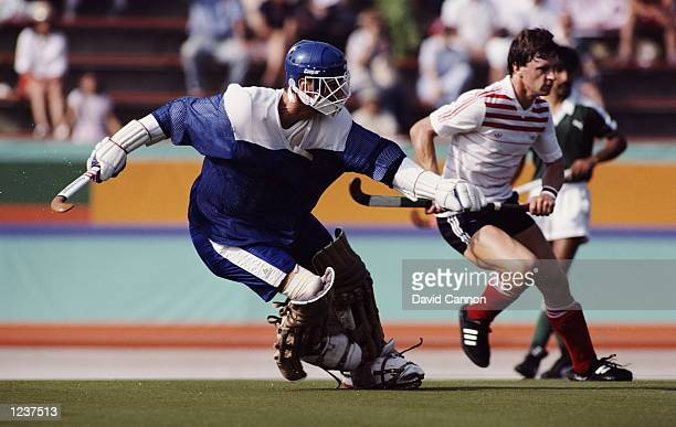 SEAN KERLY AND IAN TAYLOR GREAT BRITAIN GOAL KEEPER IN ACTION AT THE 1984 LOS ANGELES OLYMPICS GREAT BRITAIN TOOK THE BRONZE WITH A FIVE WINS ONE...
