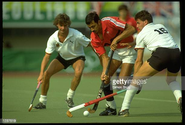 IMRAN SHERWANI OF GREAT BRITAIN IN ACTION AGAINST GERMANY AT THE 1988 SEOUL SUMMER OLYMPICS. GREAT BRITAIN WON THE GOLD MEDAL WITH A RECORD OF FIVE...