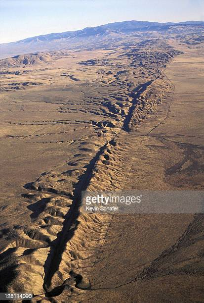 SAN ANDREAS FAULT. AERIAL FAULT EASILY VISIBLE AT SURFACE ON CARRIZO PLAIN, SOUTH CALIFORNIA
