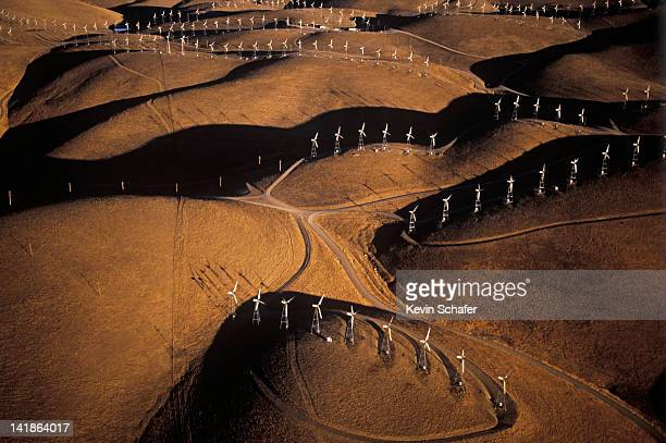 WIND GENERATORS, ALTAMONT PASS, CALIFORNIA (*)