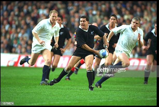 WALTER LITTLE OF NEW ZEALAND PASSES THE BALL AWAY DURING THE NEW ZEALAND V SCOTLAND WORLD CUP THIRD PLACE PLAYOFF PLAYED AT CARDIFF ARMS PARK NEW...