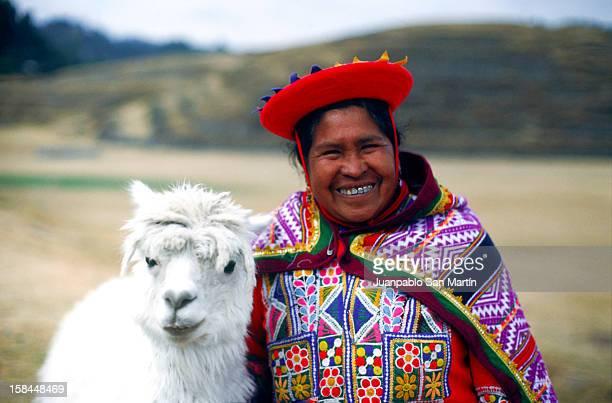 cholita - roupa tradicional - fotografias e filmes do acervo