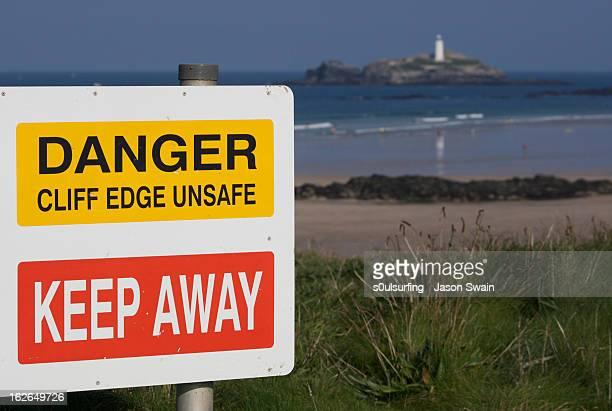 DANGER CLIFF EDGE UNSAFE