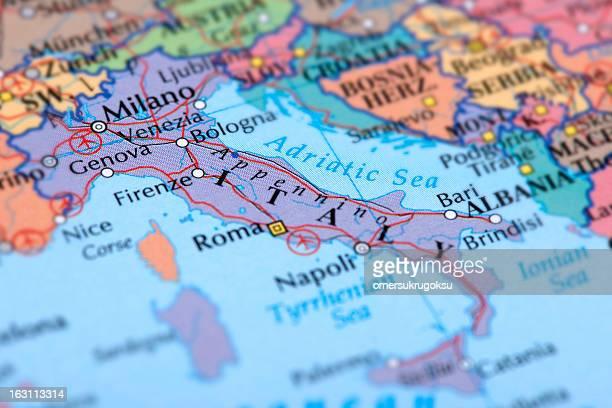 l'italia - carta geografica foto e immagini stock