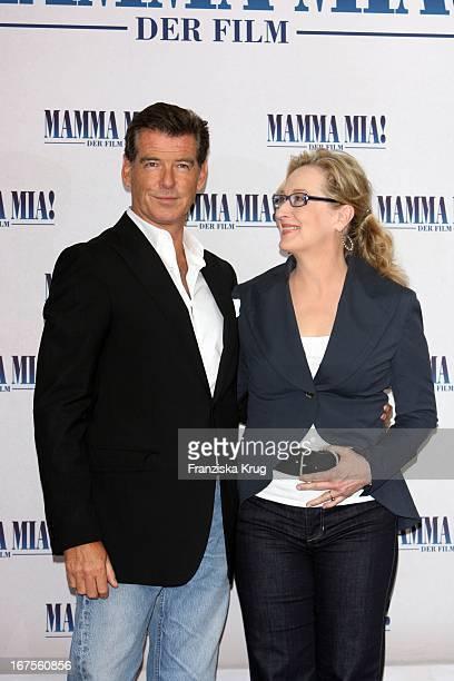 Pierce Brosnan Und Meryl Streep Eim Mamma Mia Der Film Photocall Im Hotel Adlon In Berlin