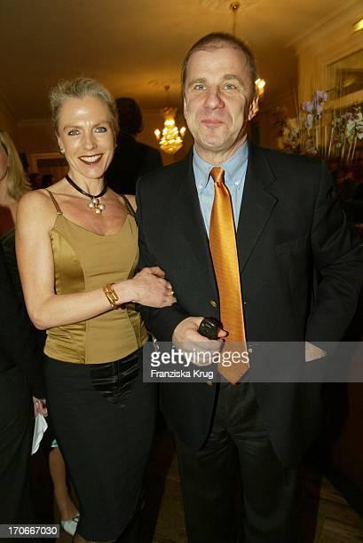 Journalist Hubertus Meyer Burckhardt Und Ehefrau Jacqueline Bei Couple Of The Year Valentine'S Dinner Im Louis C Jacob In Hamburg Am 020204