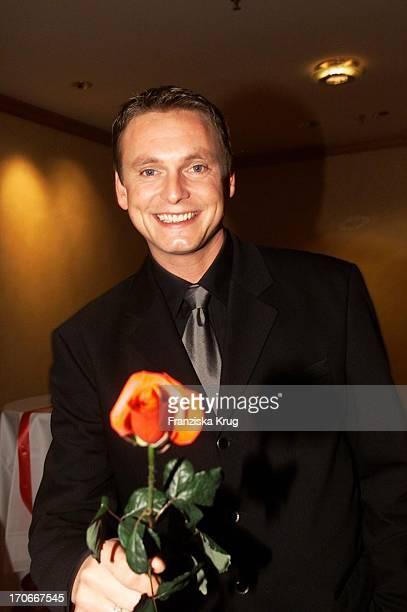 Moderator Axel Bulthaupt Bei Jose Carreras Gala 221200