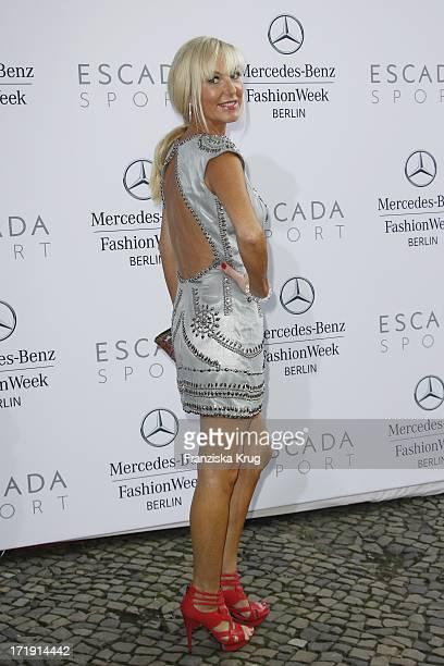 Marion Fedder Bei Der Escada Fashion Show Im Stadtbad