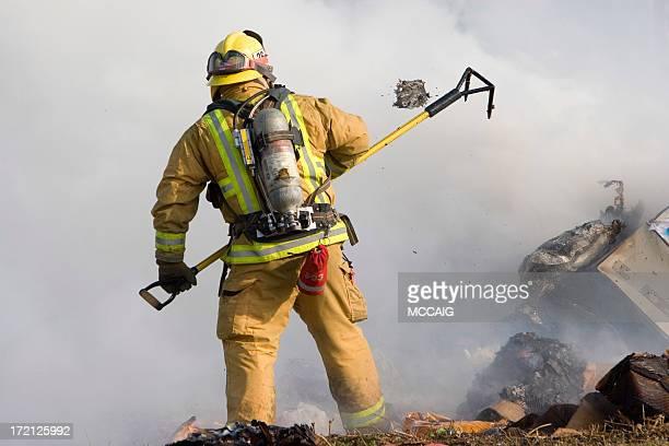 消防士、空気のタンク - 危機管理 ストックフォトと画像