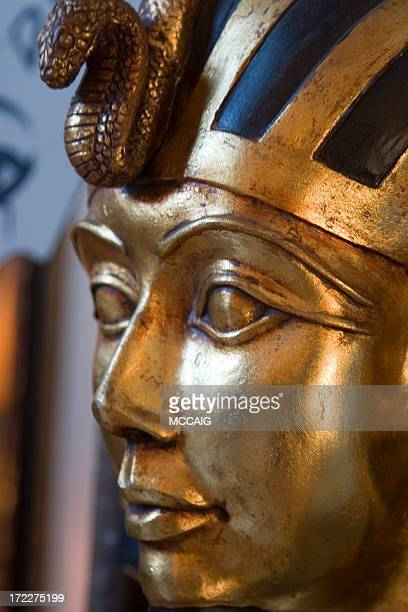 king tut - death mask of tutankhamen stock pictures, royalty-free photos & images