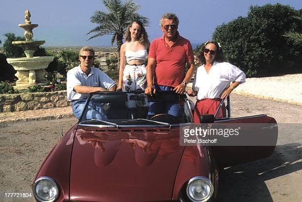 Dieter Thomas Heck Ehefrau Ragnhild Tochter Ragnhild Sohn Kim Urlaub Villa Casa Grande Calarbadina Spanien Europa Ferienhaus Auto Oldtimer...