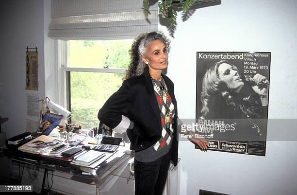 Daliah LaviGans Homestory Arbeitszimmer Asheville North Carolina USA Nord Amerika TourneePoster Plakat Sängerin Schauspielerin SI