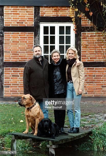 Herdis Zernial mit Ehemann Dr PeterZernial und Tochter Lydia HomestoryBremen