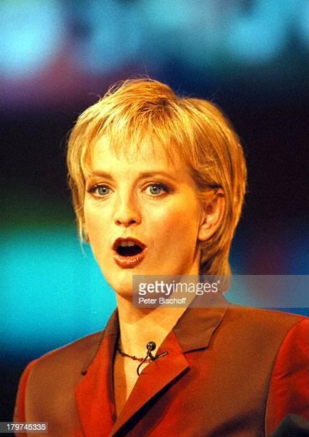 Ulla Kock am Brink Porträt ARDShow DieLottoshow Showhalle von Warner BrothersMovie World/Bottrop