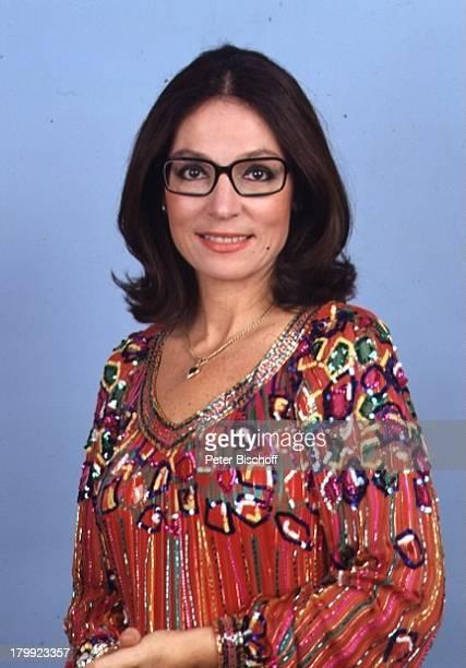 Nana Mouskouri Porträt Brille