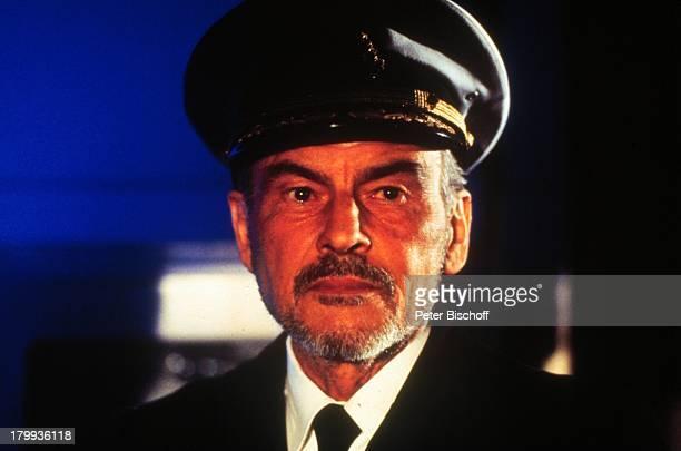 Horst Buchholz Voyage of Terror ARDThriller Kapitän LuxuslinerCapricorn Schiff Vancouver/Canada