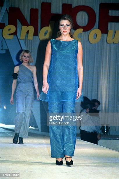 Leonore Capell Melanie Rohde MarienhofTrendscout 2000 ARDDailySoapModenschau Laufsteg