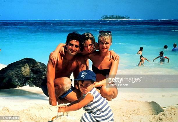 Saskia Valencia Ehemann Nicolas ValenciaTochter Alexandra Sohn Leonard SanAndres/Kolumbien Urlaub StrandHängematte Meer