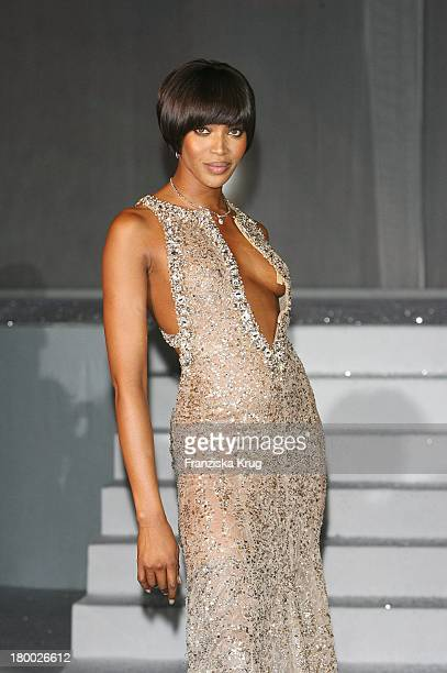 Naomi Campbell Bei Der Mont Blanc Party Night Of The Stars In Chamonix Am 020207