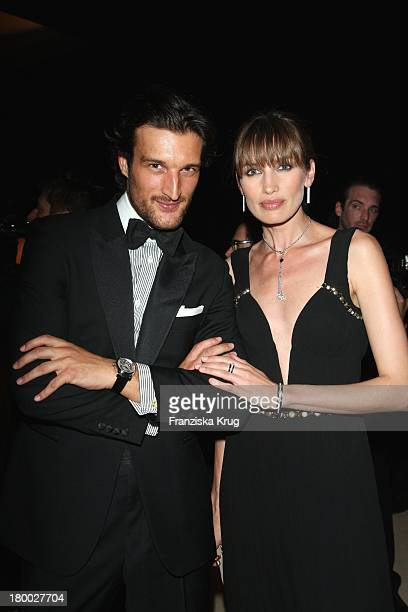 Rafael Medina Und Model Nievez Alvarez Bei Der Montblanc Gala Zur Writing Time Weltpremiere Von Montblanc Star Nicolas Rieussec Monopusher...