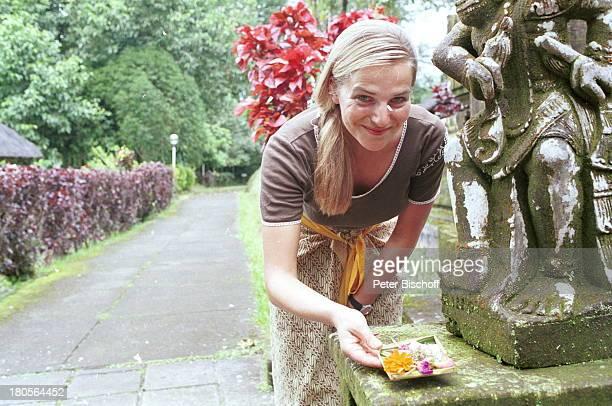 Tanja Wedhorn InselBali/Indonesien/Asien Tempel Blumenopfer