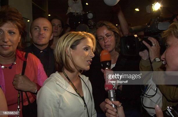 Michelle Presse AfterShow Party der ARDShow Eurovision Song Contest 2001 Kopenhagen/Dänemark Parken Stadion Backstage Interview