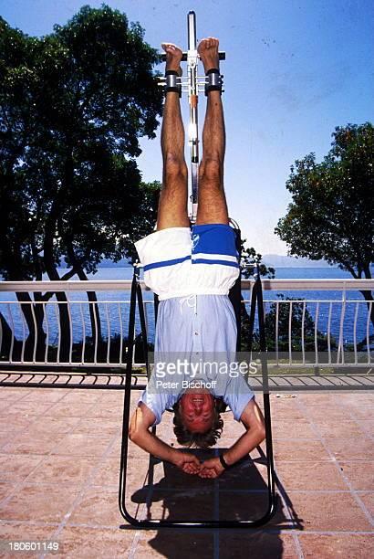 Günther Schramm Vancouver Island/Kanada Nordamerika Terrasse FitnessTraining Kopfstand