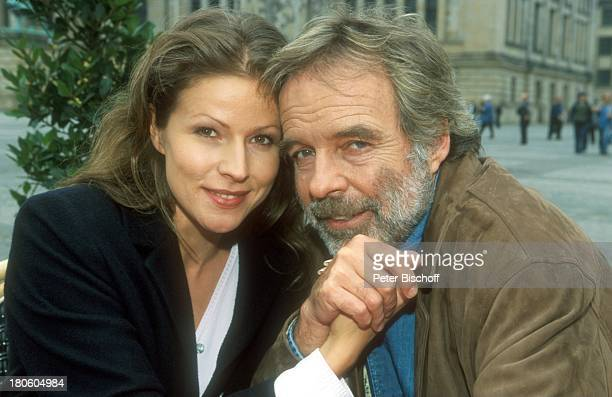 Thomas Fritsch Leonore Capell ZDFSerie Unser Charly Folge 4 In aller Freundschaft