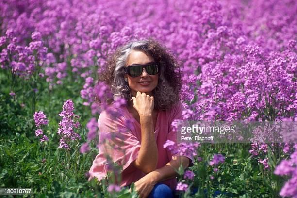 Daliah Lavi Gans Asheville / North Carolina / Nord Amerika/Blumen Feld Sonnenbrille