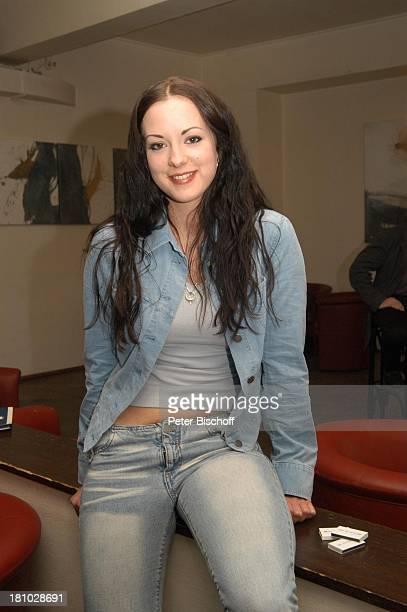 Isabell Jantz ndFafterwork 2003 Pressecocktail München Harpers und Queens Jeans Jeansjacke Jeanshose