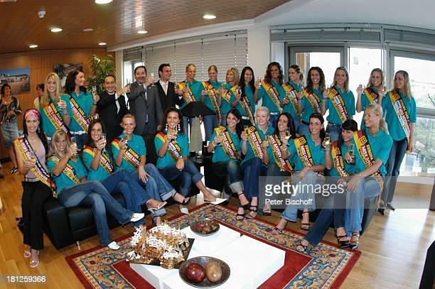 Angel Luis Tadeo Tejera Angel Luis Tadeo Felipe Jose Maria Tedeo Felipe Teilnehmerinnen der Miss GermanyWahl 2005 Misses Germany Claudia Ehlert Las...
