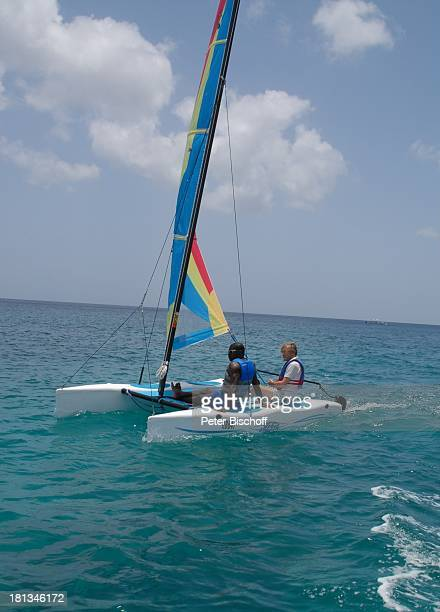 Horst Janson Almond Beach Village Urlaub KatamaranAusflug Speightstown / St Peter Insel Barbados Karibik Boot Segelboot Schauspieler