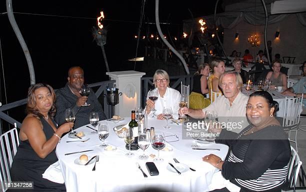 Horst Janson Ehefrau Hella Janson Betty LewisBrown Bernard Phillips Insel Barbados Karibik Abschiedsessen Restaurant The Cliff Urlaub Schauspieler